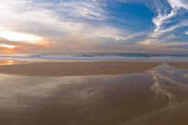 Noosa Australien - National Parks und ein populärer Ort zum Surfen an der Sunshine Coast.